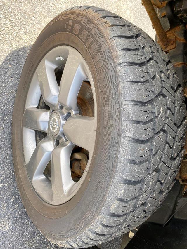 1N6AA0EJ9CN311613 - 2012 Nissan Titan S 5.6L engine view
