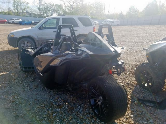 2016 POLARIS SLINGSHOT - Right Front View
