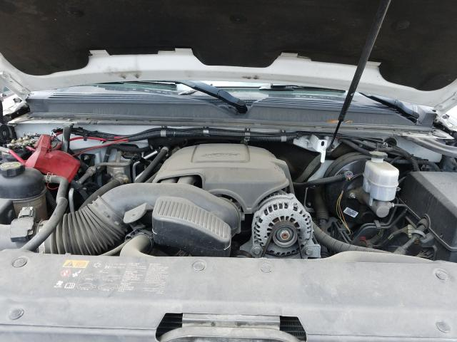 1GNLC2E09DR314859 - 2013 Chevrolet Tahoe Poli 5.3L inside view
