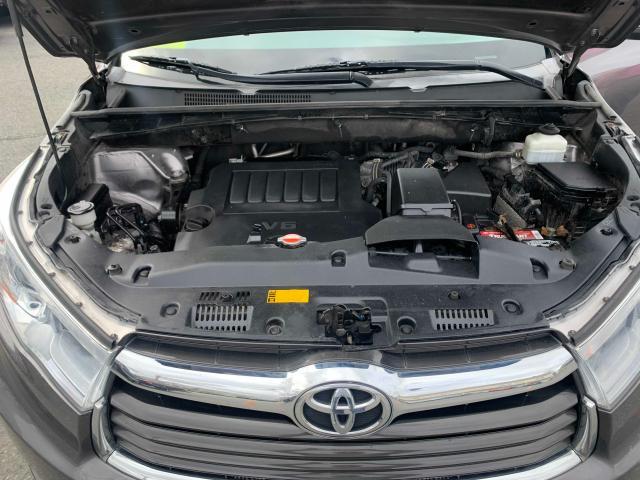 2016 Toyota Highlander 3.5L inside view