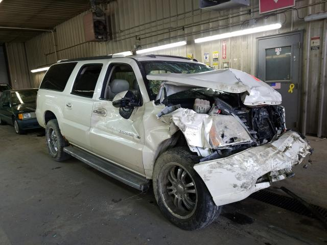Salvage cars for sale from Copart Fort Wayne, IN: 2005 Cadillac Escalade E