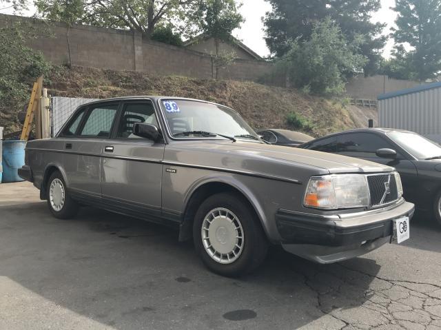 YV1AX8845K1362810-1989-volvo-244