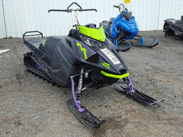 4UF19SNW8KT113353-2019-arct-snowmobile