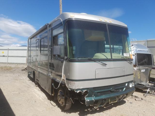 Workhorse Custom Chassis Motorhome salvage cars for sale: 2002 Workhorse Custom Chassis Motorhome