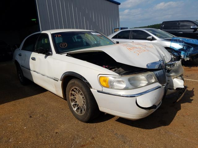 Salvage cars for sale from Copart Longview, TX: 2001 Lincoln Town Car S