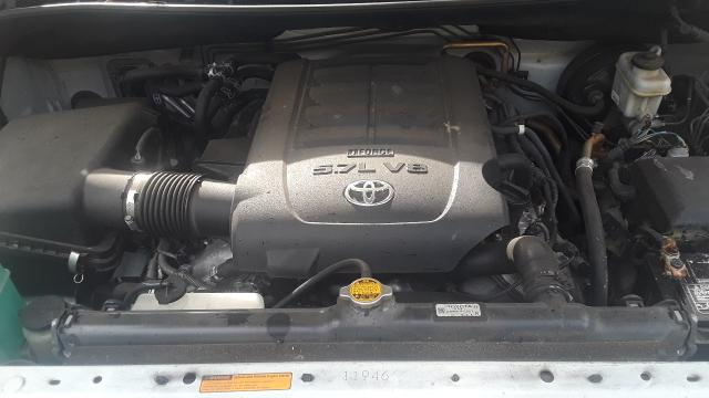 5TDYY5G10DS045286 - 2013 Toyota Sequoia Pl 5.7L front view