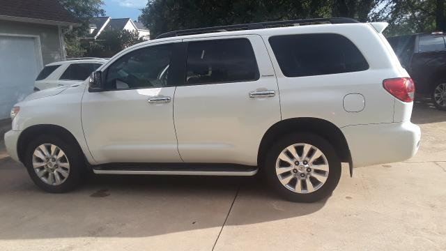5TDYY5G10DS045286 - 2013 Toyota Sequoia Pl 5.7L Right View