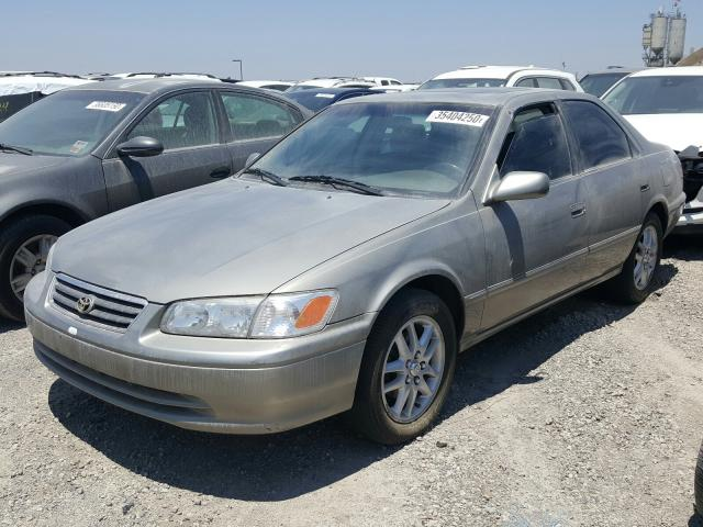 JT2BF28K3Y0272491-2000-toyota-camry-1