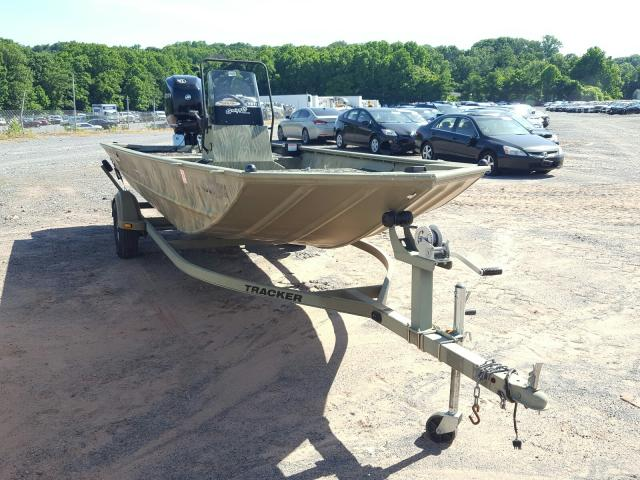 Tracker Vehiculos salvage en venta: 2014 Tracker Boat