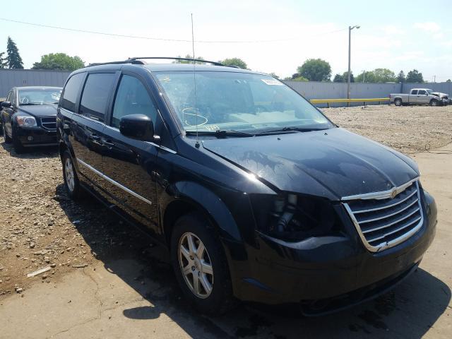 2A4RR5D17AR391453-2010-chrysler-minivan