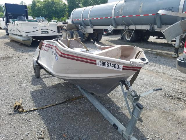 Salvage cars for sale from Copart Ellwood City, PA: 2001 Yach Boat
