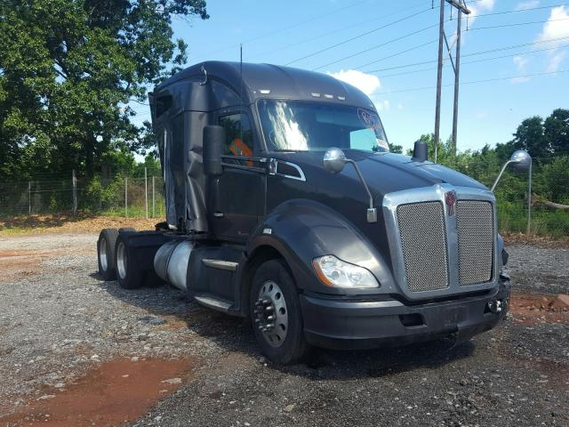 Salvage cars for sale from Copart York Haven, PA: 2017 Kenworth T680