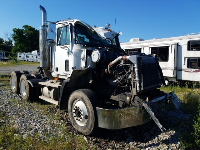 Salvage cars for sale from Copart Cicero, IN: 2000 Mack 600 CH600