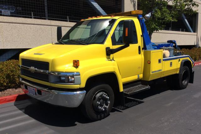 Salvage cars for sale from Copart Hayward, CA: 2007 Chevrolet C5500 C5C0