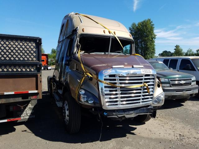 2016 Freightliner Cascadia 1 for sale in Woodburn, OR