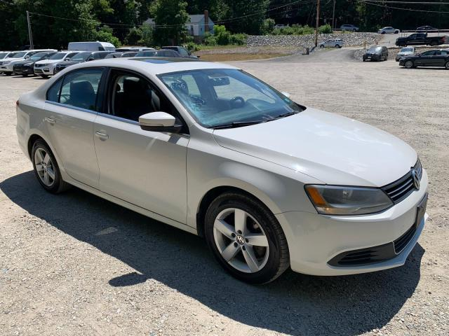 Salvage cars for sale from Copart North Billerica, MA: 2013 Volkswagen Jetta TDI