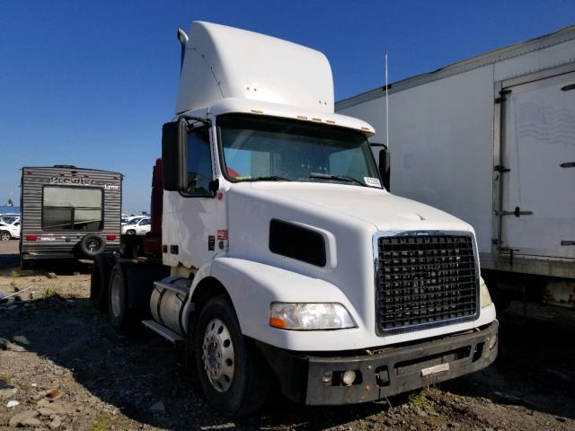 2007 Volvo VN VNM for sale in Woodhaven, MI