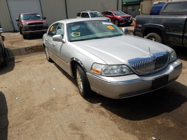 Salvage cars for sale from Copart Ham Lake, MN: 2003 Lincoln Town Car S