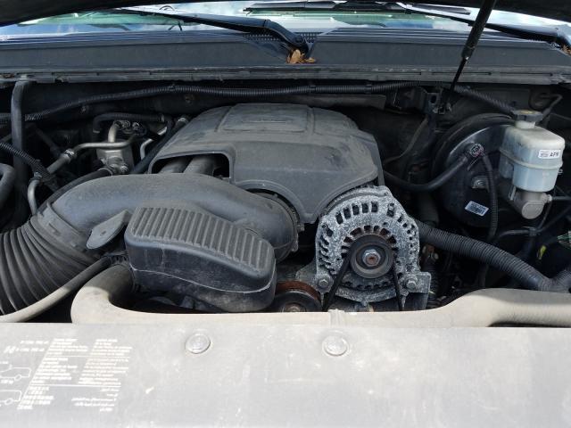 2013 Chevrolet Suburban K 5.3L inside view