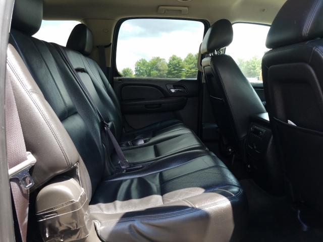 2013 Chevrolet Suburban K 5.3L detail view
