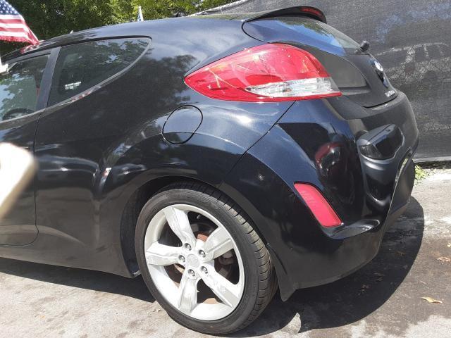 KMHTC6AD7EU208851 - 2014 Hyundai Veloster 1.6L rear view