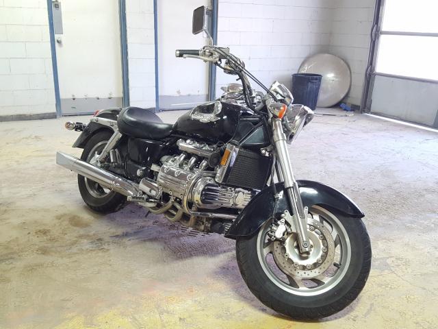 1HFSC3439WA100712-1998-honda-gl-cycle
