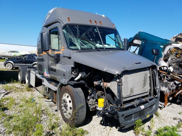 Salvage cars for sale from Copart Cicero, IN: 2017 Freightliner Cascadia 1