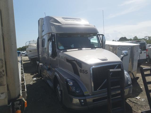 Salvage cars for sale from Copart Punta Gorda, FL: 2018 Volvo VN VNL