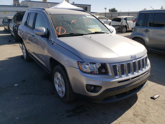 Salvage cars for sale from Copart Bakersfield, CA: 2016 Jeep Compass LA