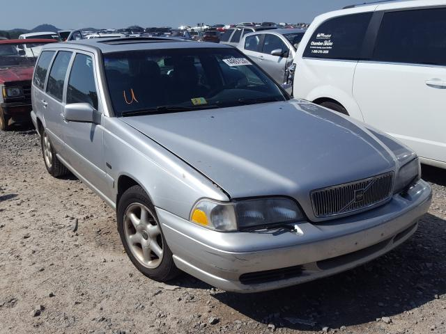 Volvo salvage cars for sale: 1998 Volvo V70