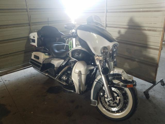 Salvage cars for sale from Copart Woodhaven, MI: 2008 Harley-Davidson Flhtcui