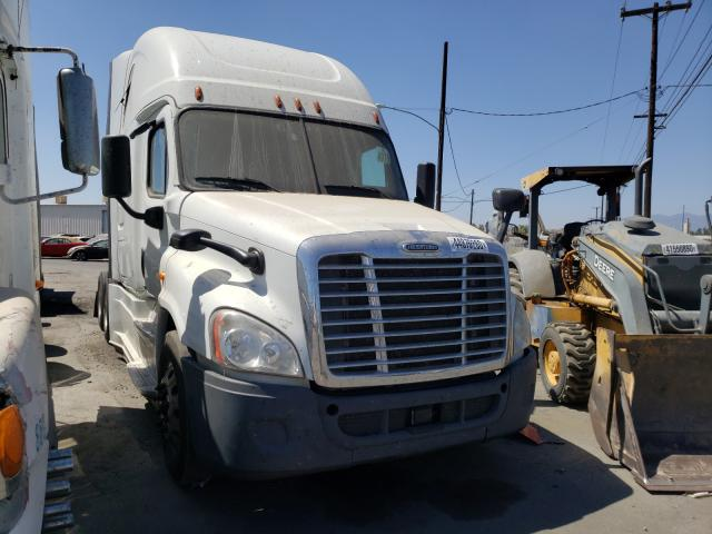 Salvage cars for sale from Copart Colton, CA: 2016 Freightliner Cascadia 1