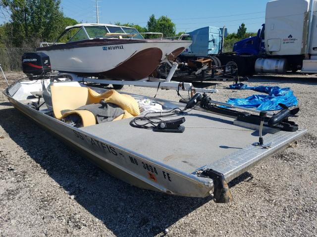 Salvage cars for sale from Copart Bridgeton, MO: 2005 Blaze Boat W/MTR