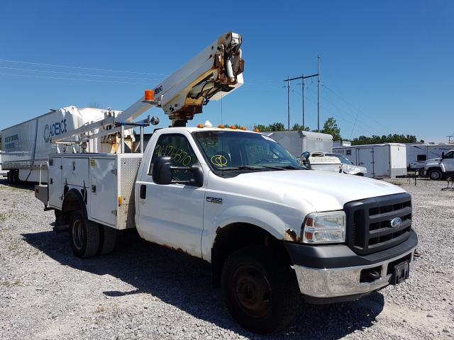 Salvage cars for sale from Copart Leroy, NY: 2006 Ford F350 Super