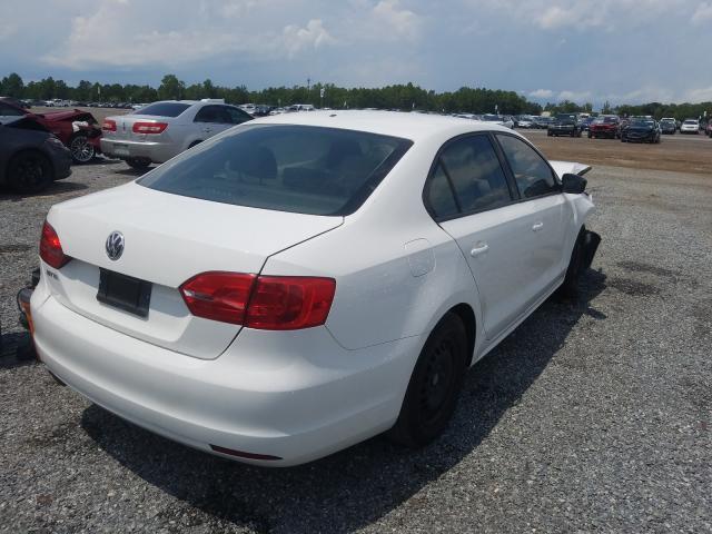 цена в сша 2014 Volkswagen Jetta Base 2.0L 3VW2K7AJ1EM210496