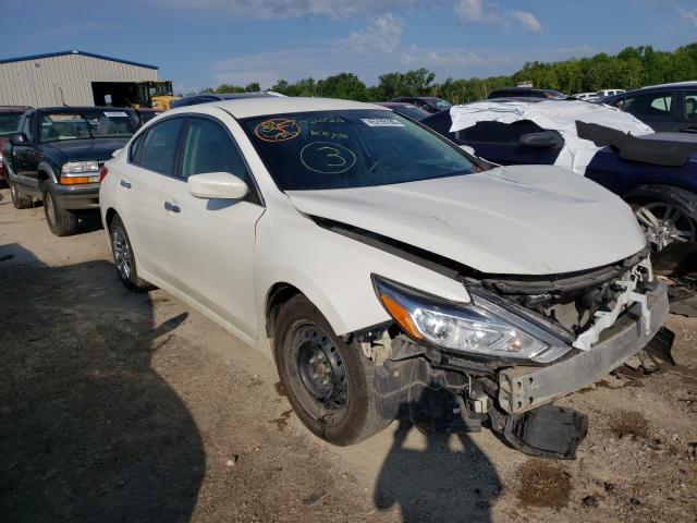 Salvage cars for sale from Copart Louisville, KY: 2016 Nissan Altima 2.5