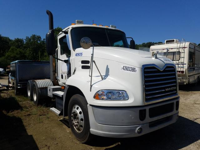 2009 Mack 600 CXU600 for sale in Glassboro, NJ