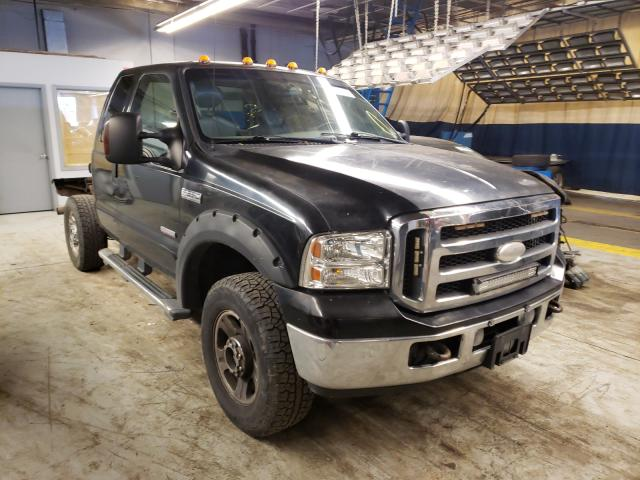 Salvage cars for sale from Copart Wheeling, IL: 2005 Ford F350 SRW S