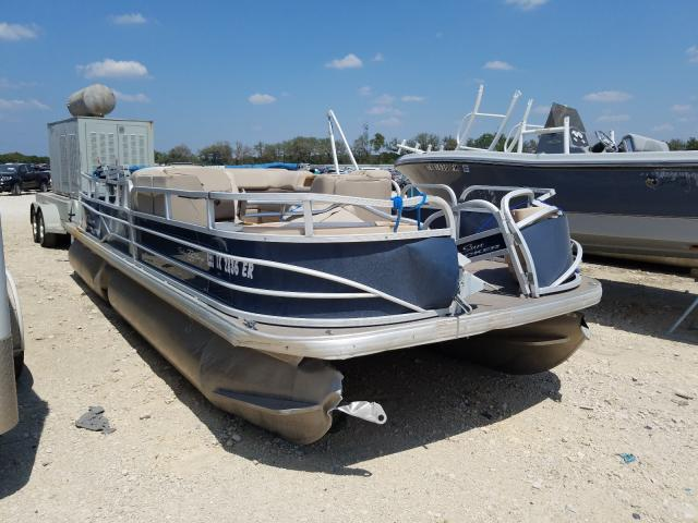 Salvage 2019 Suntracker FISHING for sale