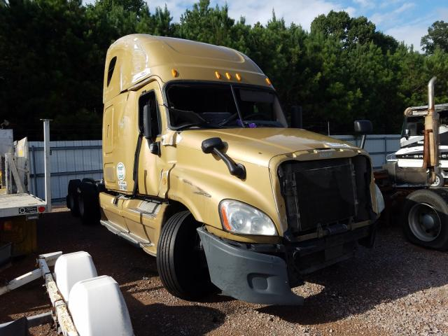 Salvage cars for sale from Copart Charles City, VA: 2013 Freightliner Cascadia 1