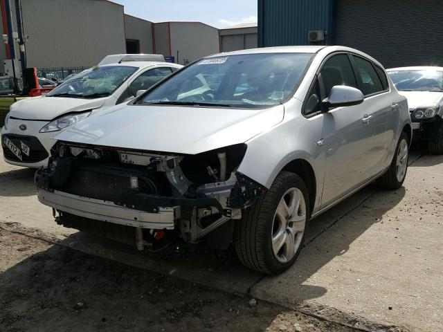 VAUXHALL ASTRA EXCL - 2010 rok
