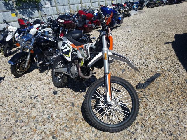JS1SK44A3K2100091-2019-suzuki-dirtbike