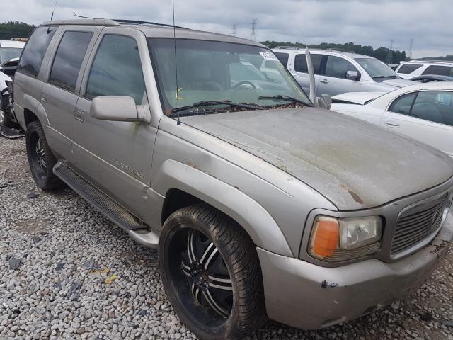 Salvage cars for sale from Copart Memphis, TN: 2000 Cadillac Escalade L