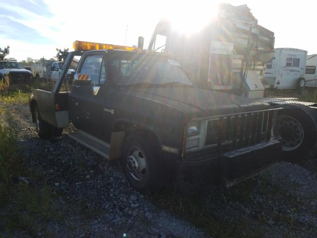 Salvage cars for sale from Copart Cicero, IN: 1987 GMC R35 Conven