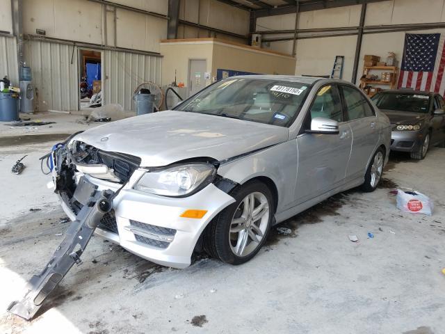 из сша 2013 Mercedes-Benz C 250 1.8L WDDGF4HB4DG102625