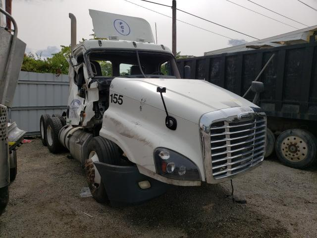 Freightliner salvage cars for sale: 2012 Freightliner Cascadia 1