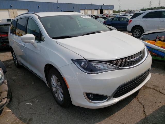 Salvage cars for sale from Copart Woodhaven, MI: 2018 Chrysler Pacifica T