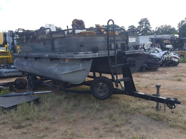 Salvage 2006 Suntracker BOAT for sale
