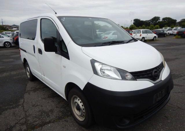 Salvage cars for sale from Copart North Billerica, MA: 2010 Nissan NV200