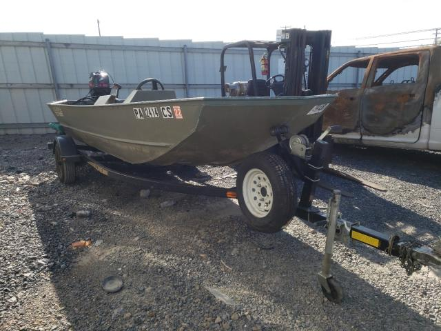 Lowe salvage cars for sale: 2004 Lowe Boat
